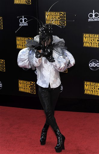 2009 AMA Awards Arrivals