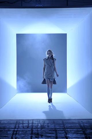alexander-wang-podium-spring-fashion-2010-001_runway