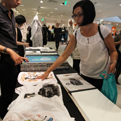 checking-out-the-tees-at-fno