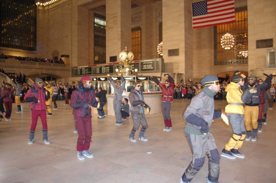 moncler-grand-central-station-flash-mob-nyfw-new-york-fashion-week-fall-2011-show