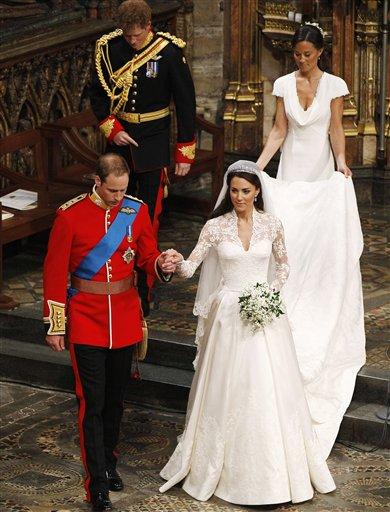 Kate middleton wears an alexander mcqueen wedding dress fashion ap photokirsty wigglesworth pool junglespirit Gallery