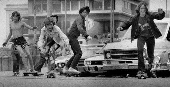Kids skateboard down the hill near the Cliff House in San Francisco. July 16, 1976. (Susan Ehmer/Chronicle 1976)