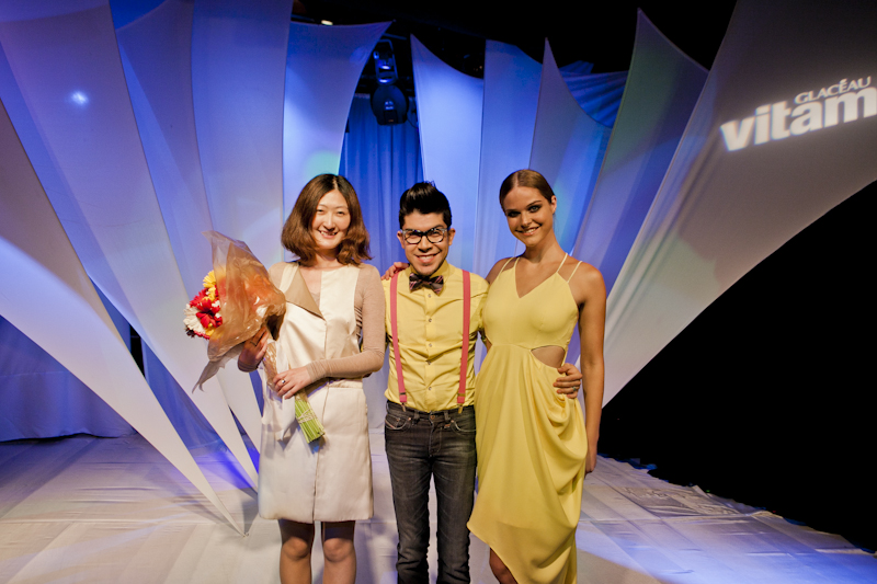 Jade Juanyu Lin with Mondo Guerra and her winning design